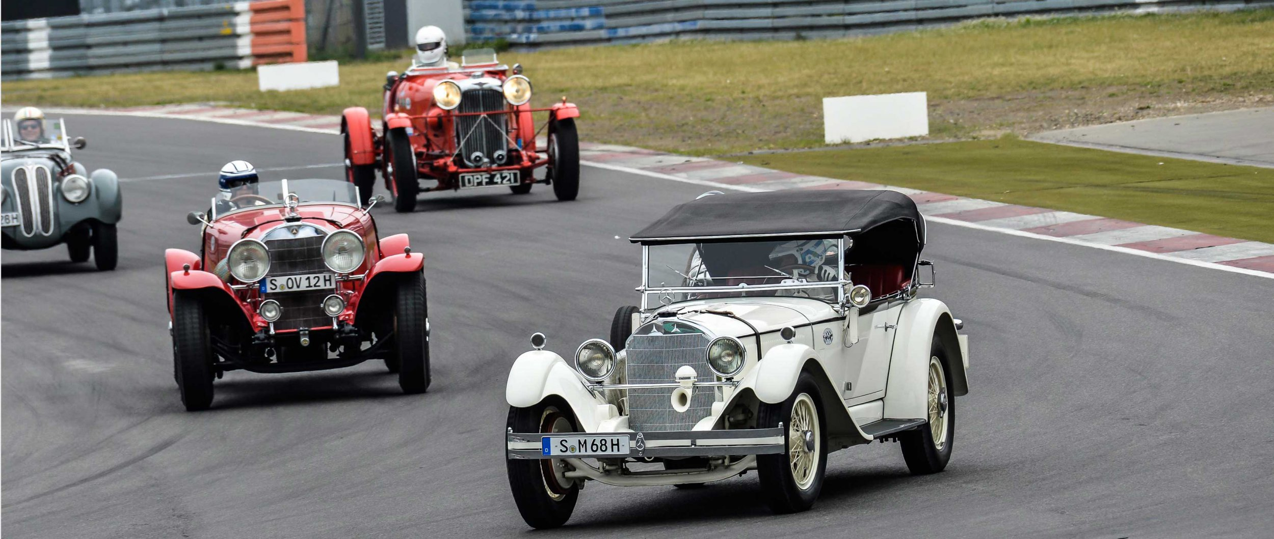 https://cdn1-cloud.mb-lounge.com/files/HQ-Events/Classic/Oldtimer%20Events/mbcom_nuerburgring17_review_1_3400x1440.jpg
